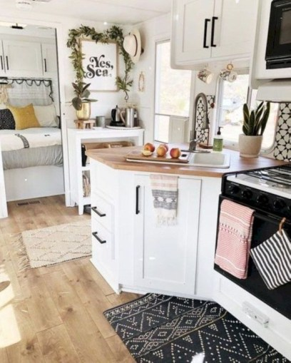 Splendid Rv Camper Remodel Ideas 14