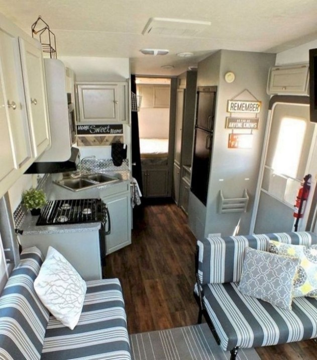 Splendid Rv Camper Remodel Ideas 16