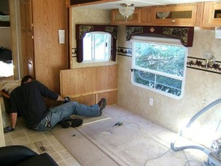 Splendid Rv Camper Remodel Ideas 33