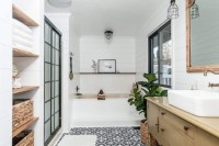 Lovely Farmhouse Bathroom Makeover Ideas To Try Right Now 46