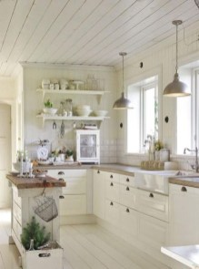 Stylish Farmhouse Kitchen Design Ideas To Bring Classic Look 35