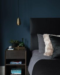 Delightful Bedroom Designs Ideas With Dark Wall That Breaks The Monotony 20