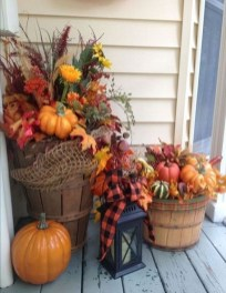 Extraordinary Fall Porch Ideas That Will Be Surely Comfortable 04