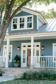 Fantastic Farmhouse Exterior Design Ideas That Looks Cool 11