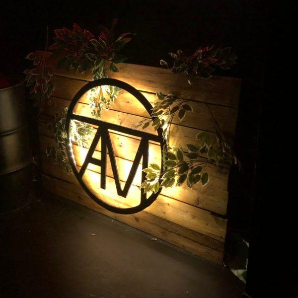 ATMO Logo hergestellt Holz