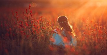 Beautiful Capture Moments Of Children's Life by Lisa Holloway