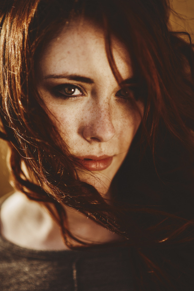 Beauty Female Portrait Photography by Alessie Albi 01