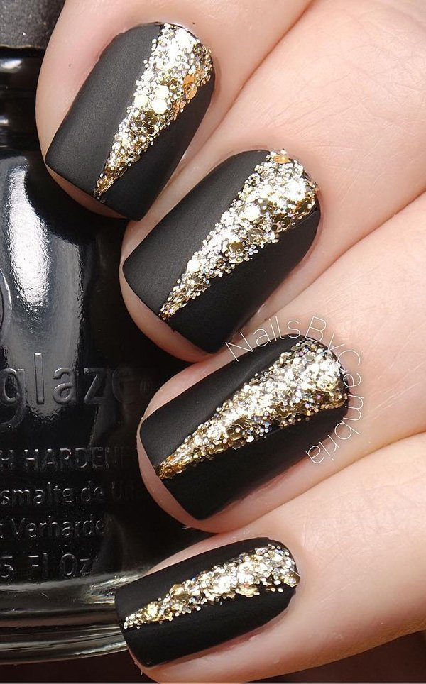Black-and-gold-glitter-nail-art