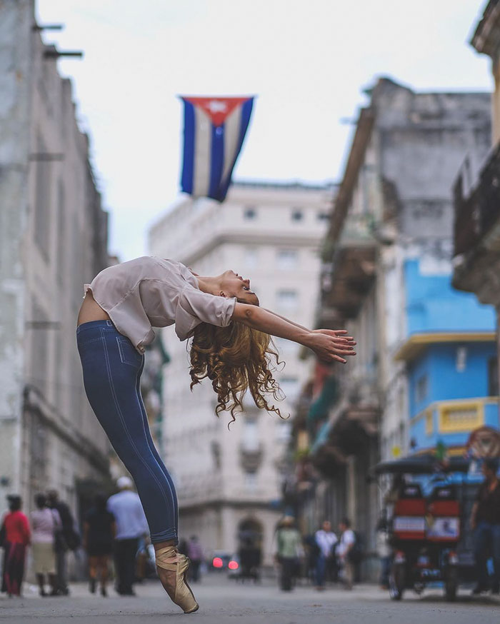 Ballet Dancers Practicing On The Streets Of Cuba 99