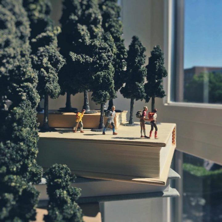 Derrick Lin Turn His Office Life With Miniature Figures 33