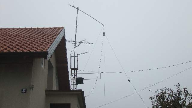 Duoband Inverted V 40m+80m - Mounted and Tuned - www.9a2gb.net