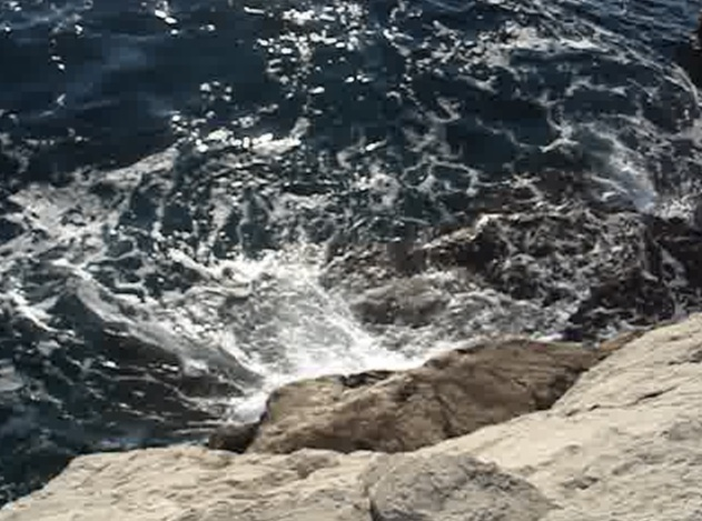 Playful Adriatic Sea - Video at www.9a2gb.net