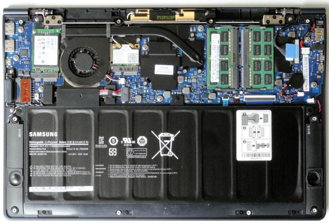 Samsung Series 9 - inside