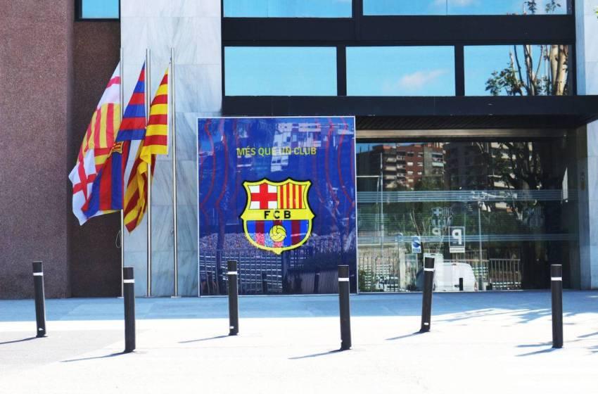 Jak oddaje (albo nie) pieniądze FC Barcelona