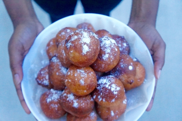 Nigerian puff puff - Nigerian - street - food - dough - fried - ghana - bofrot - recipe - simple - easy - best