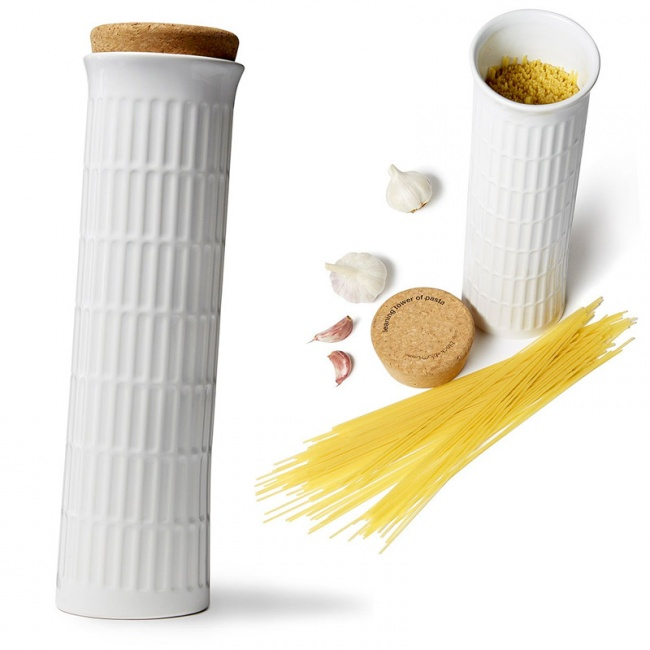 The-container-for-storing-spaghetti
