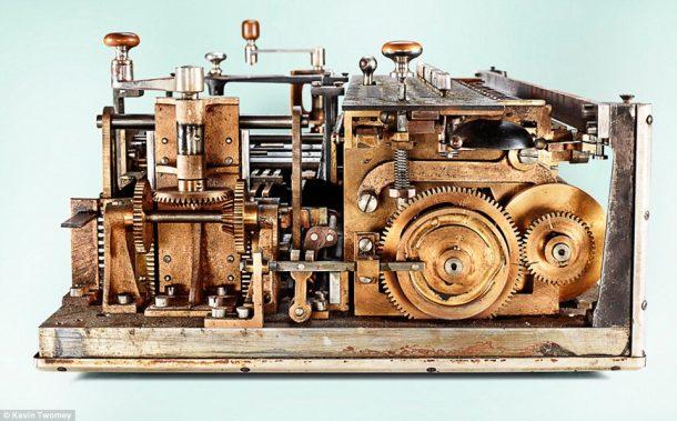 Millionaire-Mechanical-calculator-3-Raxbook