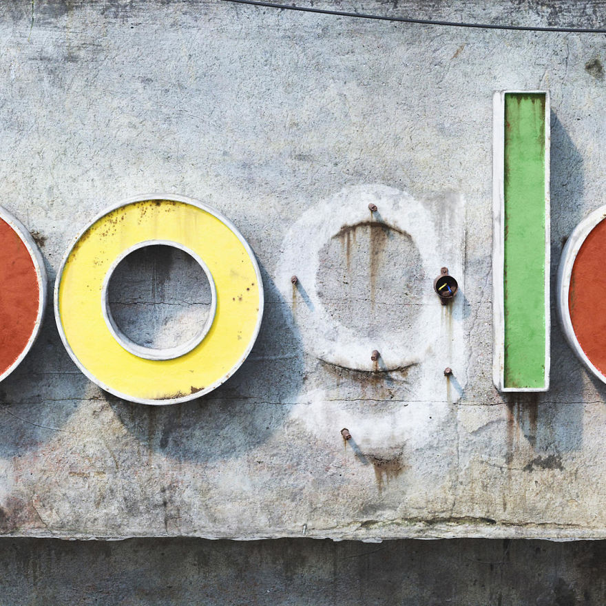 The-Decay-Of-famous-Social-Media-Companies-9Mood-4