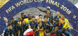 France Wins World Cup Final 2018 in Russia with Shine of the Stars