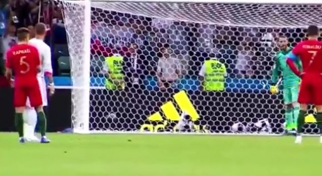 Video: Ramos told De Gea how to save Ronaldo's penalty, but CR7 had another plan