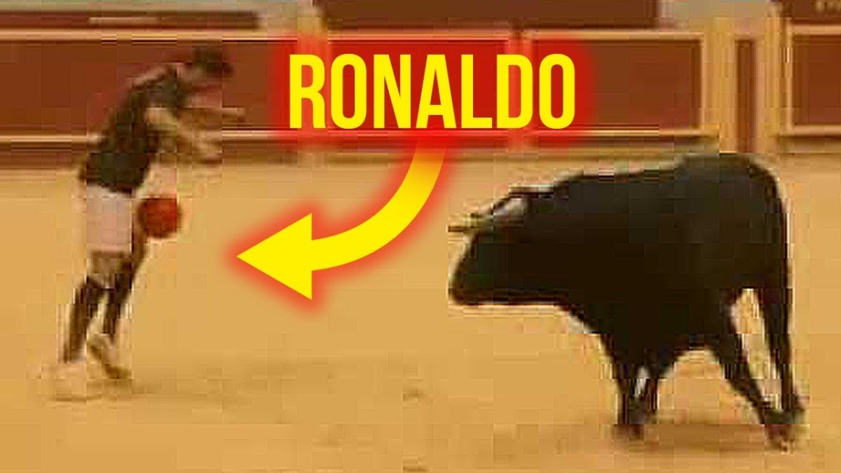 Messi Dribbled a Dog ? CRISTIANO RONALDO Dribble a Bull !