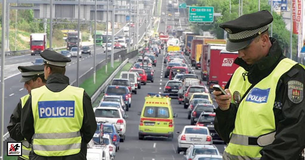 """To byl děs: Kolona vozidel 14 km, tři hodiny zdržení. Bezmocní řidiči, naštvaní doběla. A to jen proto, že si policie hraje """"vlastní ligu"""". Do parlamentu míří novela, která to má změnit"""