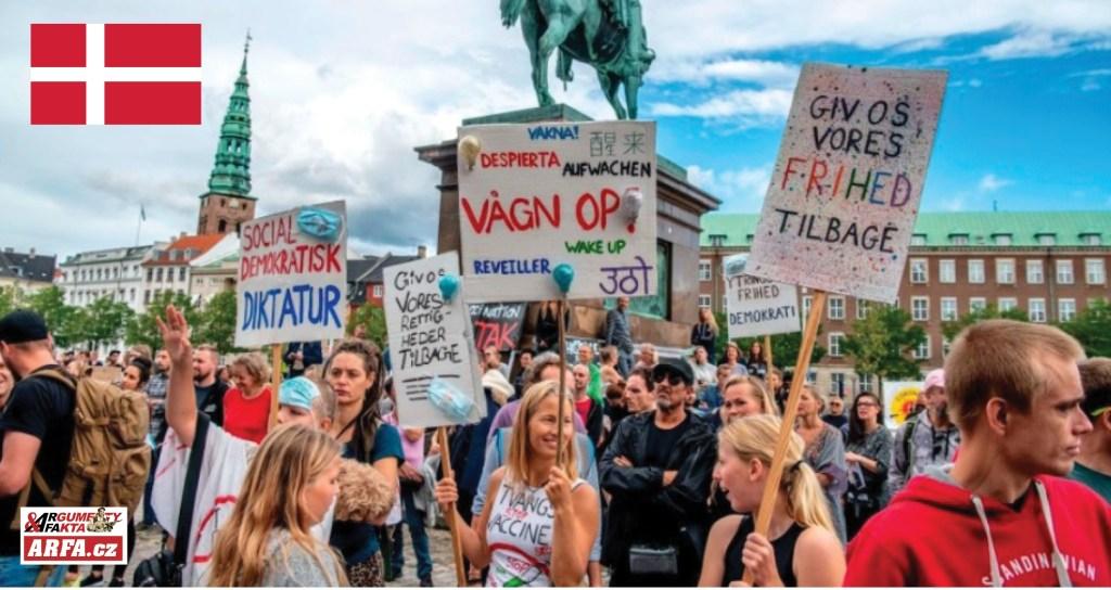 """Očkování násilím: Povinná vakcinace proti koronaviru zrušena v Dánsku po devíti dnech protestů, ale… Stát má mnoho způsobů, jak """"neposlušné"""" donutit. Například silou, nebo odebrání """"výhod"""". Brzy i u nás, míní experti."""