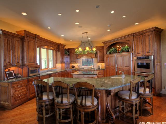 Rich dining area and open kitchen