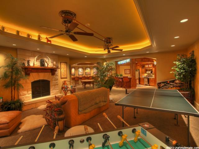 Game room with game tables in a poche setting