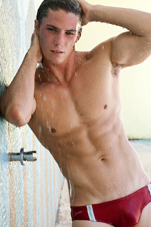 Speedo Shower