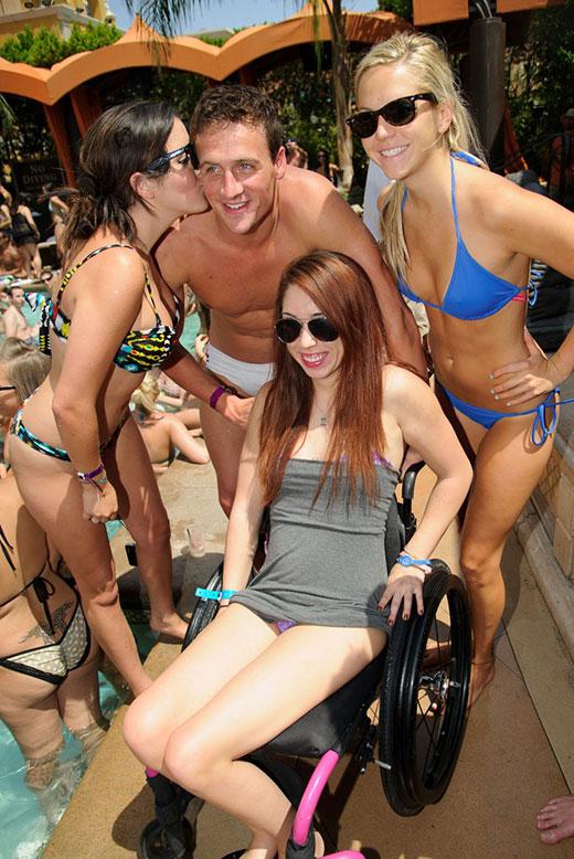 Ryan Lochte with Girls in Speedos