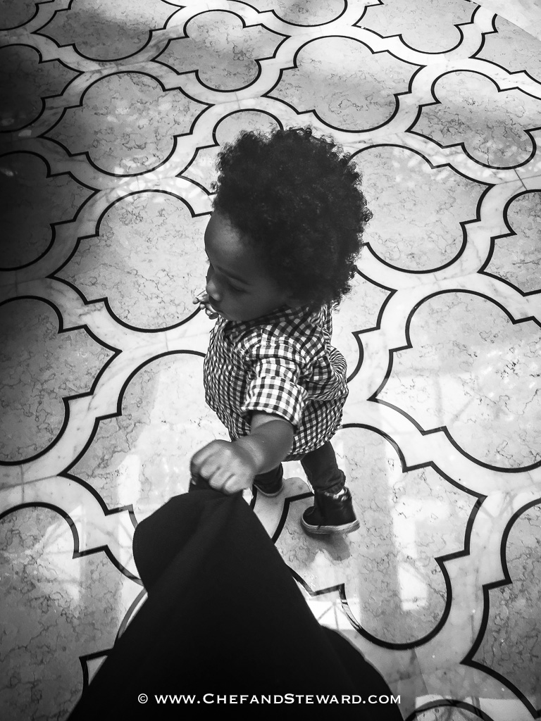 """How To Get Your Toddler To €�behave"""" In A Restaurant"""