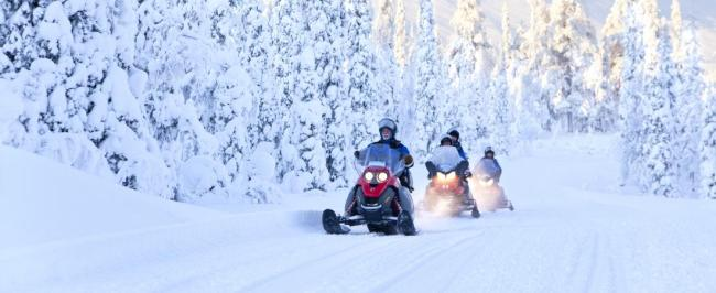 1445861986-1445857403-1413478944-1413478926-1413478910-270b-snowmobiling-luosto-finland