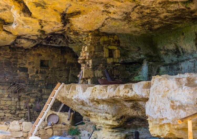 La Madeleine Dordogne Cave Medieval France Perigord