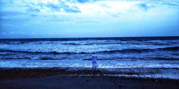 black-sand-beach laid back traveller laidbacktraveller.com