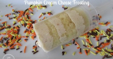 Vanilla Cake Pops with Pumpkin Cream Cheese Frosting
