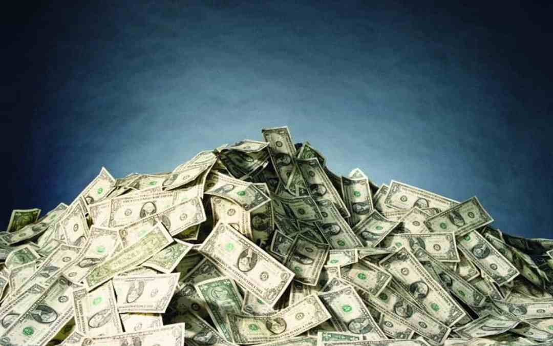 High-Dollar College Scholarships that YOU Can Win!