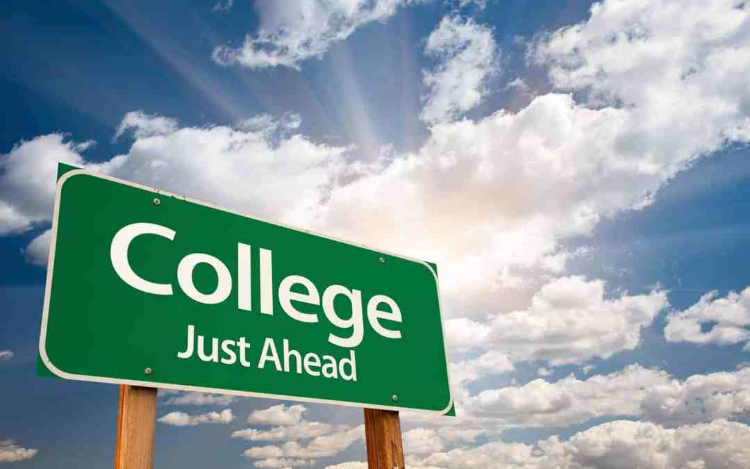 How to Get Into College (Infographic)