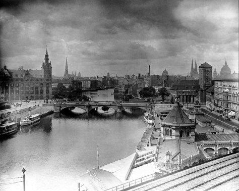 Waisenbrücke 1904