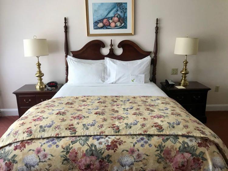 Hotel Northampton MA guest room