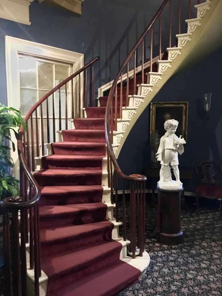 staircase inside Houmas House plantation