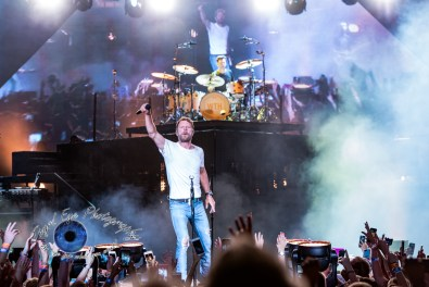 Dierks Bentley performing at the Hollywood Casino Amphitheatre in Saint Louis Saturday. Photo by Sean Derrick/Thyrd Eye Photography