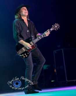 Thom Gimbel of Foreigner performing in Saint Louis. Pic by Sean Derrick/Thyrd Eye Photography