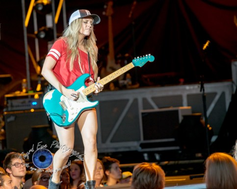 Lindsay Ell performing at Hollywood Casino Amphitheatre in Saint Louis. Photo by Sean Derrick/Thyrd Eye Photography.
