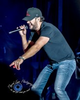 Luke Bryan performing in Springfield, Illinois on his Farm Tour 2017 Tour. Photo by Sean Derrick/Thyrd Eye Photography.