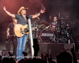 Jason Aldean performing in Saint Louis. Photo by Sean Derrick/Thyrd Eye Photography.