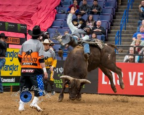 Ueberson Duarte competing in the PBR Saint Louis Invitational. Photo by Sean Derrick/Thyrd Eye Photography.