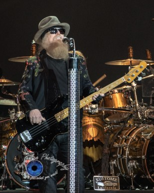 Dusty Hill of ZZ Top performing in 2017 in Saint Louis. Photo by Sean Derrick/Thyrd Eye Photography.