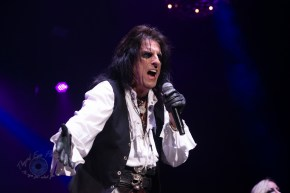 Alice Cooper performing Thursday at Hollywood Casino Amphitheatre in Saint Louis. Photo by Sean Derrick/Thyrd Eye Photography.