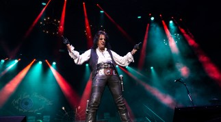 Alice Cooper performing at Hollywood Casino Amphitheatre in 2019. Photo by Sean Derrick/Thyrd Eye Photography.